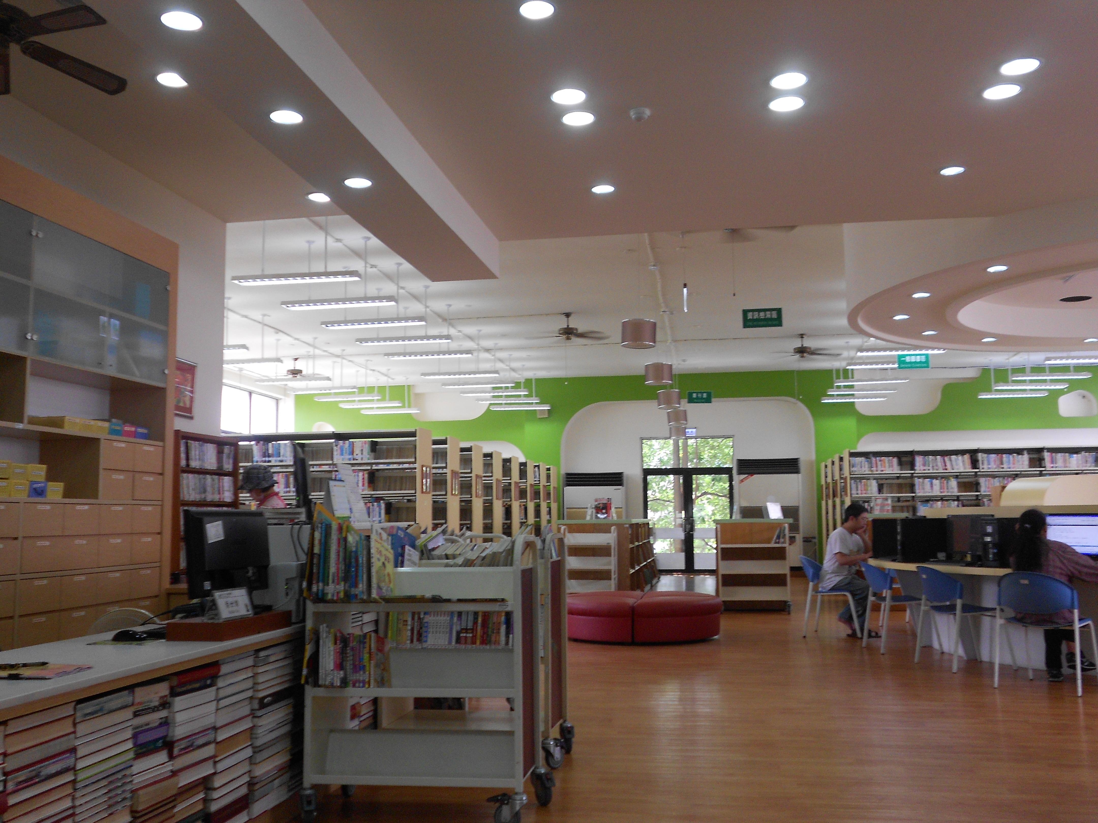 新北市立圖書館三峽分館照片